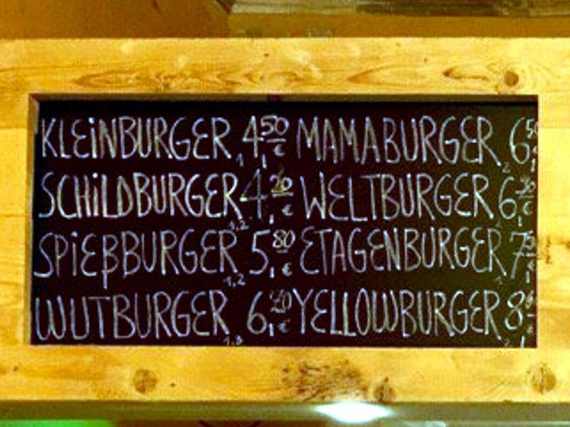 Die Speisekarte der Yellow Burger Manufaktur