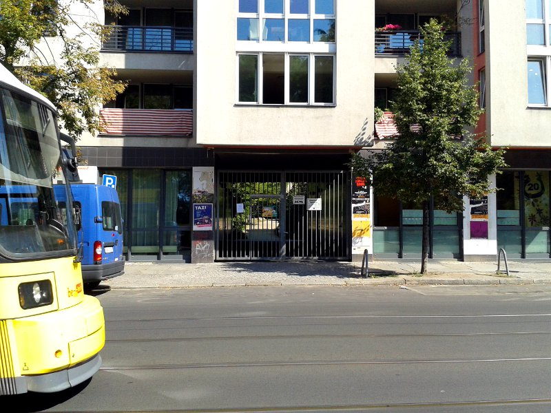 park-berlin-eingang-tor