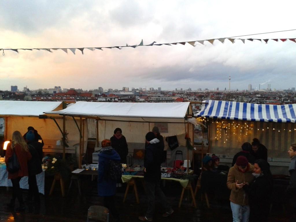 weihnachtsmarkt-klunkerkranich-stände